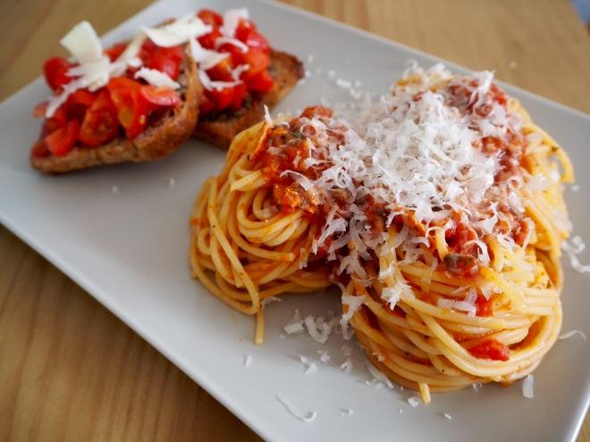 tonno tuna crostini spaghetti